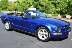 Ford Mustang Convertible Deluxe 2008