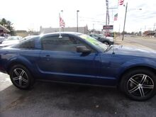 2008_Ford_Mustang_V6 Premium Coupe_ Middletown OH