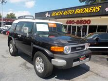 TOYOTA FJ CRUISER 4X4, CERTIFIED W/ WARRANTY, ONLY 29K MILES. TOW, CRUISE CONTROL, A/C, KEYLESS ENTRY, VERY CLEAN!! 2008