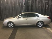 2008_Toyota_Avalon_XL_ Chicago IL