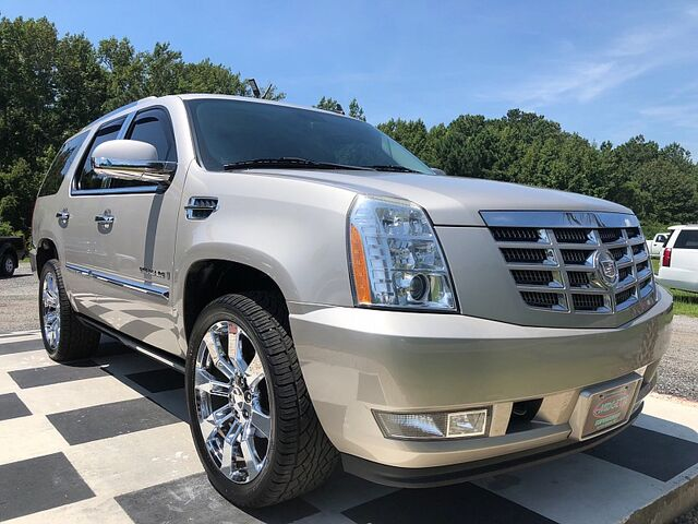 2009 Cadillac Escalade 4d SUV AWD Ultra Luxury Outer Banks NC