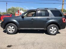 2009_Ford_Escape_XLT 4WD V6 w/Low Miles & Moonroof_ Buffalo NY