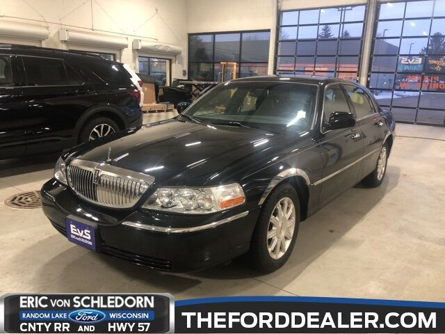 2009 Lincoln Town Car Signature Milwaukee WI