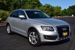 2010_Audi_Q5_3.2L Prestige Quattro_ Easton PA