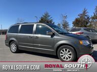 2010 Chrysler Town & Country Touring Bloomington IN