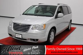 2010_Chrysler_Town & Country_Touring_ Waite Park MN