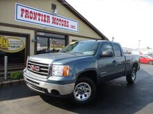 2010_GMC_Sierra 1500_SL Ext. Cab 4WD_ Middletown OH