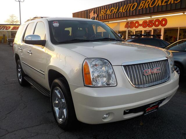2010 GMC YUKON SLT 4X4, BUYBACK GUARANTEE, WARRANTY, LEATHER, 3RD ROW, TOW PKG, BACKUP CAM, REMOTE START, SUNROOF!! Norfolk VA