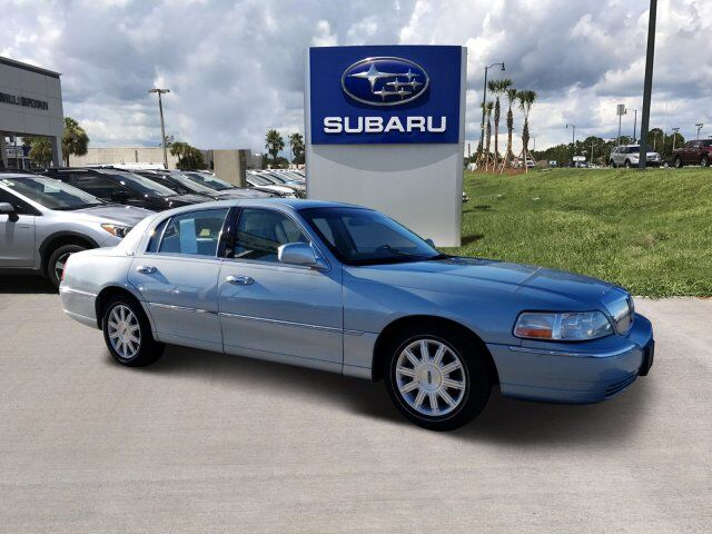 2010 Lincoln Town Car Signature Limited Leesburg FL