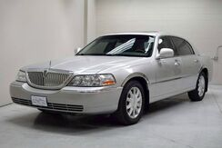 2010_Lincoln_Town Car_Signature Limited_ Englewood CO