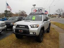 TOYOTA 4RUNNER TRAIL 4X4, BUY BACK GUARANTEE AND WARRANTY, CD PLAYER, TOW PKG, LIFTED, AWESOME!!!! 2010