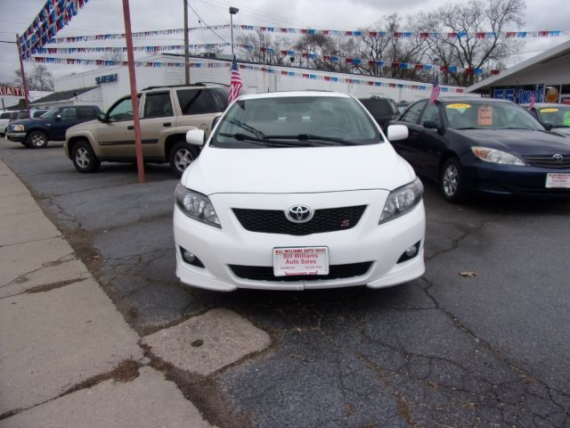 2010 Toyota Corolla LE 4-Speed AT Middletown OH