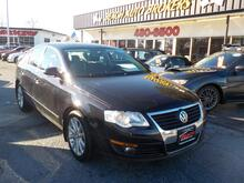 2010_VOLKSWAGEN_PASSAT_KOMFORT PZEV, WARRANTY, LEATHER, HEATED SEATS, BACKUP CAM, SUNROOF, POWER DRIVERS SEAT, BLUETOOTH!!_ Norfolk VA