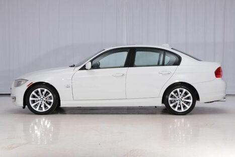 BMW 3 Series Sedan AWD 328i xDrive 2011
