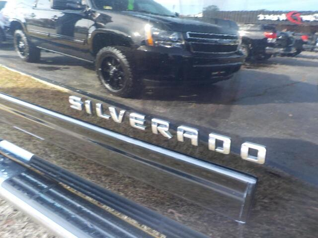 2011 CHEVROLET SILVERADO LT 4X4, BUY GUARANTEE AND WARRANTY, CD PLAYER, ONSTAR, REMOTE START, BED LINER, ONLY 88K MILES! Virginia Beach VA