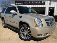Cadillac Escalade Base 2011