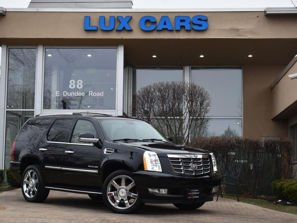 2011_Cadillac_Escalade_Luxury Nav Rear DVD AWD MSRP $74,480_ Buffalo Grove IL