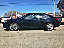 2011_Chrysler_200_Limited w/Leather & Low Miles_ Buffalo NY