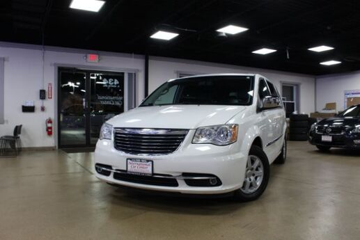 2011 Chrysler Town & Country Touring-L Lombard IL