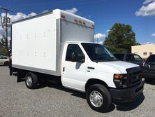 Ford E350 Box Truck w/ Liftgate  2011