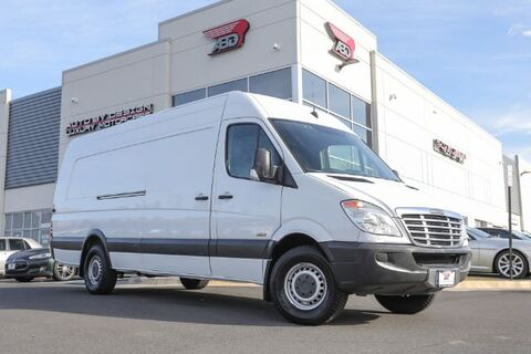 2011_Freightliner_Sprinter_2500 170-in. WB_ Chantilly VA