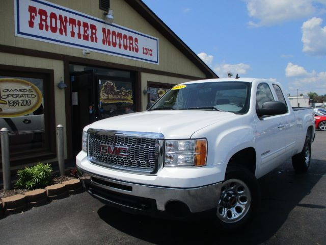 2011 GMC Sierra 1500 SL Ext. Cab 4WD Middletown OH