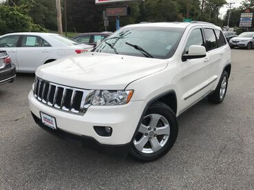 2011_Jeep_Grand Cherokee_70th Anniversary_ Worcester MA