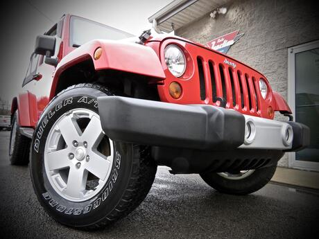 2011 Jeep Wrangler SAHARA 4X4 2dr Soft Top STICK SHIFT Grafton WV