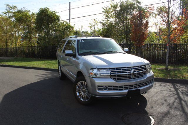 2011 Lincoln Navigator L 4WD 4dr Fairfield CT