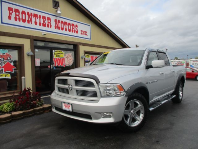 2011 RAM 1500 Sport Crew Cab 4WD Middletown OH