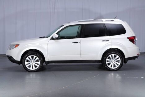 Subaru Forester AWD 2.5X Touring 2011