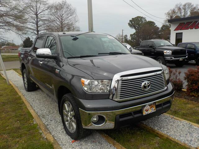 2011 TOYOTA TUNDRA PLATINUM CREW MAX 4X4, WARRANTY, LEATHER, DVD PLAYER, NAV, SUNROOF, RUNNING BOARDS, HEATED SEATS!!! Norfolk VA
