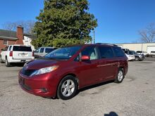 2011_Toyota_Sienna_LE_ Richmond VA