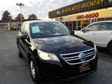2011_VOLKSWAGEN_TIGUAN_SE 4MOTION, WARRANTY, TURN SIGNAL MIRRORS, CRUISE CONTROL, A/C, SINGLE CD PLAYER, SINGLE CD PLAYER!!_ Norfolk VA