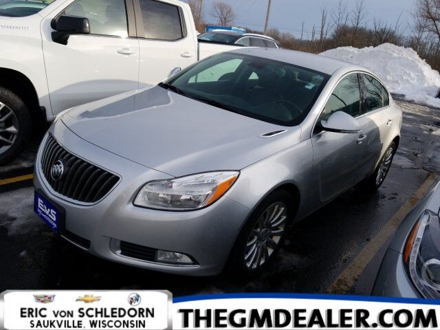 2012 Buick Regal Leather FWD w/HtdLeeather Milwaukee WI