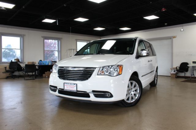2012 Chrysler Town & Country Touring-L Lombard IL
