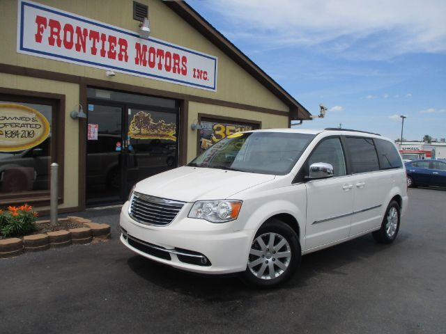 2012 Chrysler Town & Country Touring-L Middletown OH