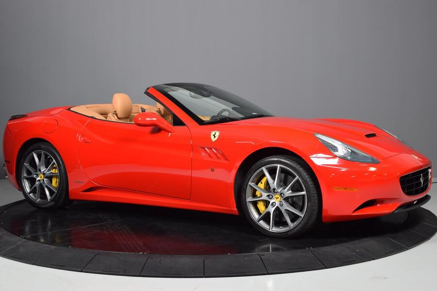 2012_Ferrari_California__ Glendale Heights IL