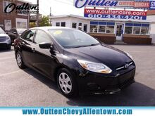 2012_Ford_Focus_S_ Hamburg PA