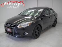 2012_Ford_Focus_SEL - Sunroof, Heated Seats, Power Windows_ Akron OH