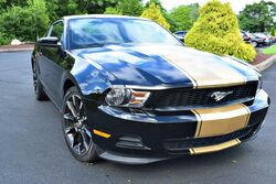 Ford Mustang Coupe Premium V6 6-Speed 2012