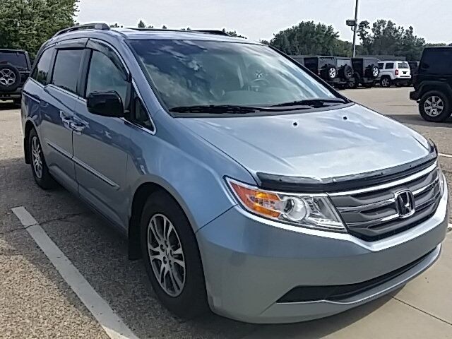vehicle details 2012 honda odyssey at crown chrysler