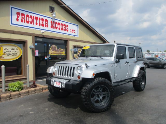 2012 Jeep Wrangler Unlimited Sahara 4WD Middletown OH