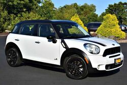 MINI Cooper Countryman S All4 6-Speed 2012