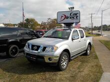 2012_NISSAN_FRONTIER_CREW CAB SL 4X4, BUY BACK GUARANTEE & WARRANTY, TOW PACKAGE, ROCKFORD FOSGATE SOUND, LEATHER!_ Virginia Beach VA