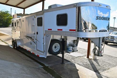 2012_Sooner_Universal Sooner 31' 3 Horse Trailer__ Fort Worth TX