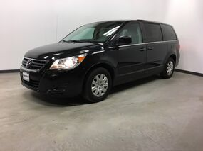 Volkswagen Routan Town & Country 2012