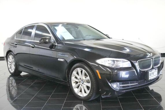 2013_BMW_5 Series_4dr Sdn 528i xDrive AWD, Premium Package, Driver Assistance Package, Cold Weather Package, Navigation System, Rear View Camera,_ Leonia NJ