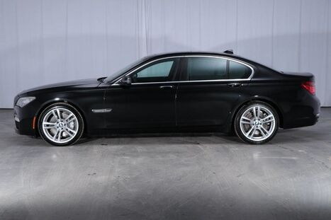 BMW 7 Series AWD 750i xDrive 2013