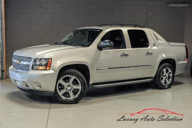2013_Chevrolet_Avalanche LTZ 4X4_4dr Pickup_ Chicago IL
